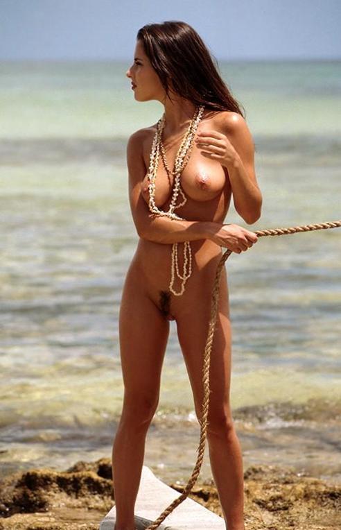 Femme nue plage escort monaco