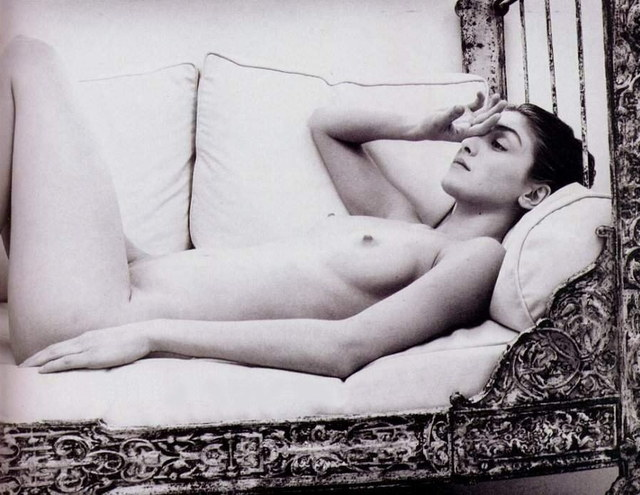 photos Julie Gayet nue.