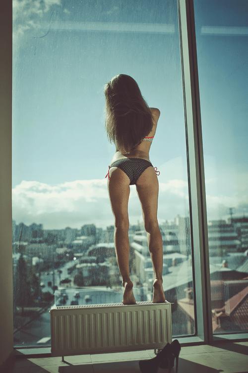 femme-nue-artistique-fenetre