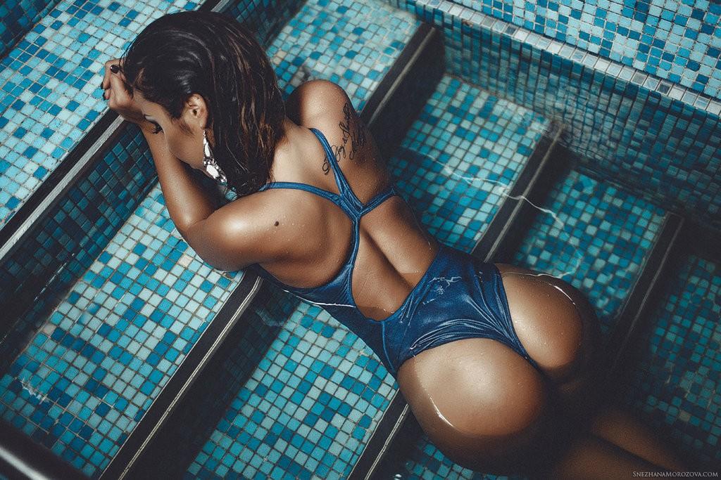 bikini dans l'eau
