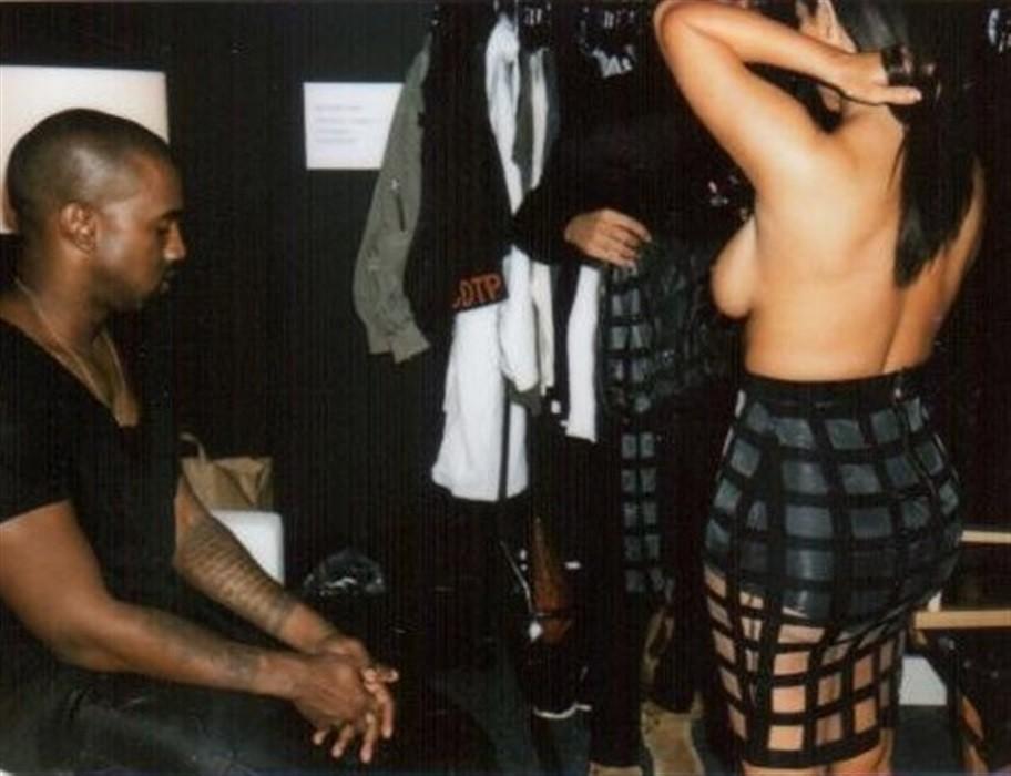 PHOTOS Kim Kardashian nue et de face: fministe ? Honteux