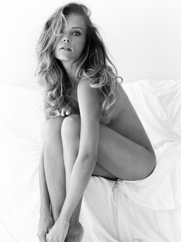 belle blonde nue