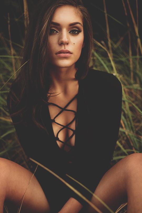 Harley Jane Kozak Nude Photos 23