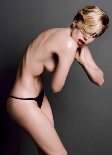 Lady-Gaga-nue-V-Magazine-12