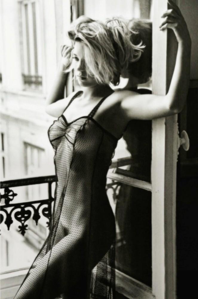 Lea-Seydoux-lingerie-663x1000
