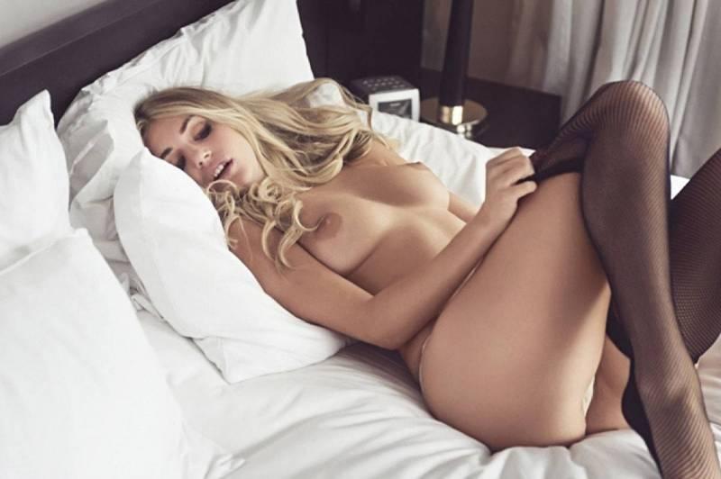image Sexe tape avec sa putain de chienne antillaise