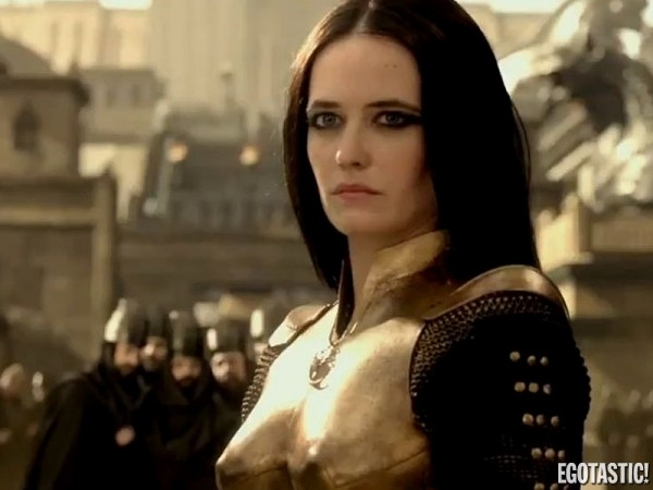 Eva-Green-Topless-in-300-Rise-of-an-Empire-LB-600x450