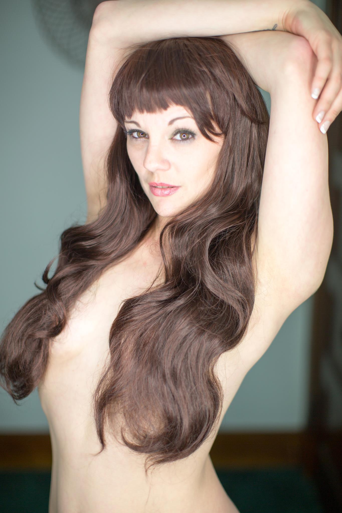 isabel-marie-vinson-boobs