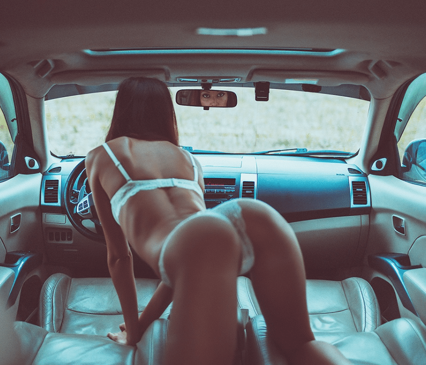 nude in the car