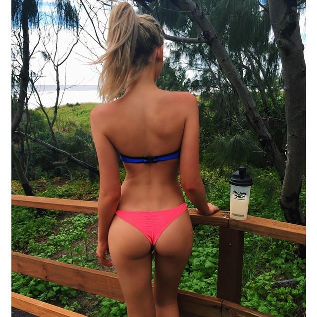 running en bikini