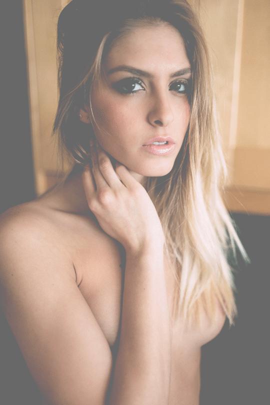 selfie les seins à l'air