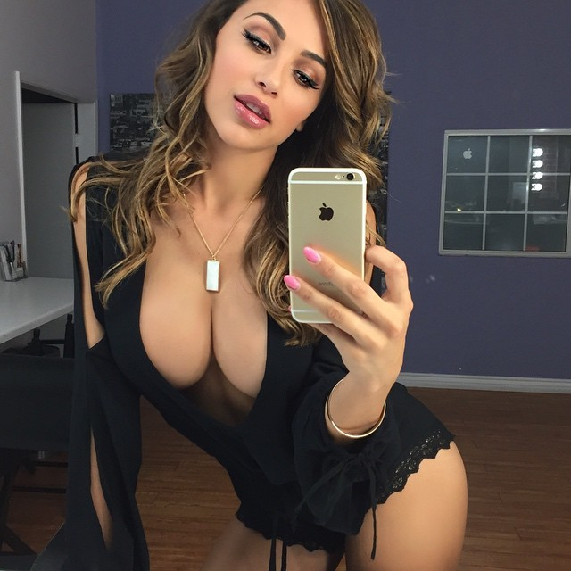 ana cheri boobs bnsoir