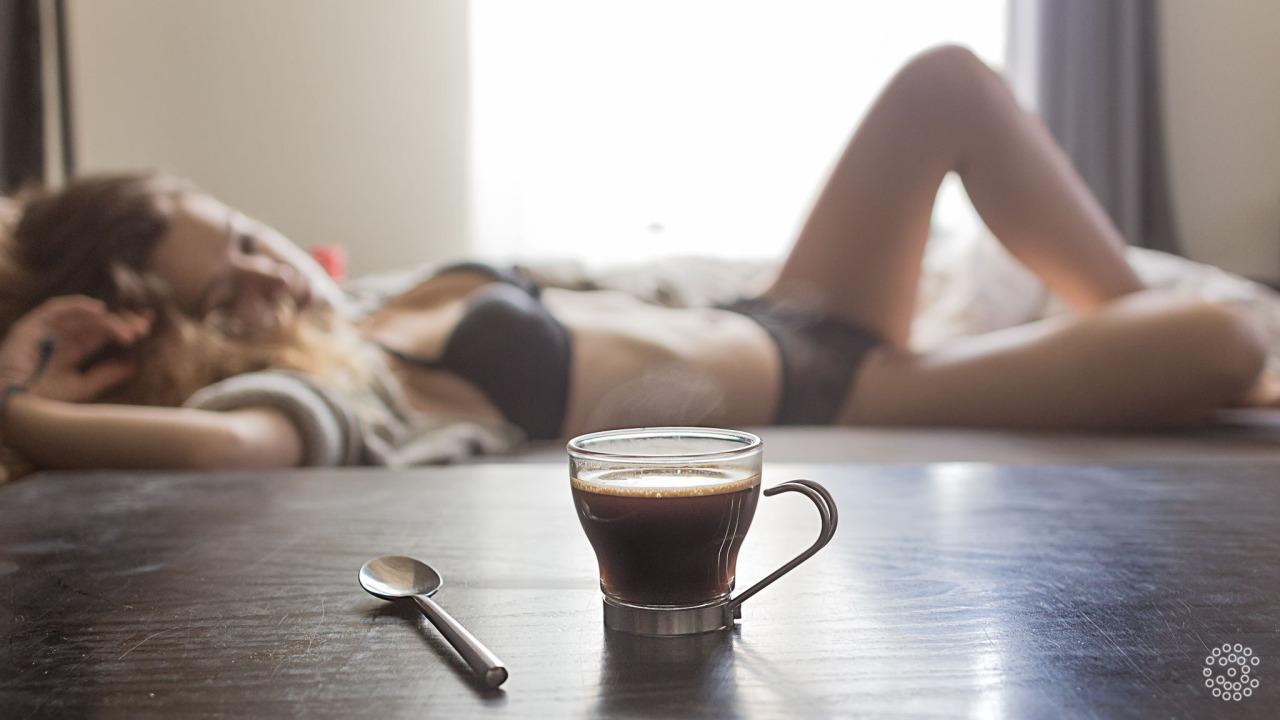 nude wake up