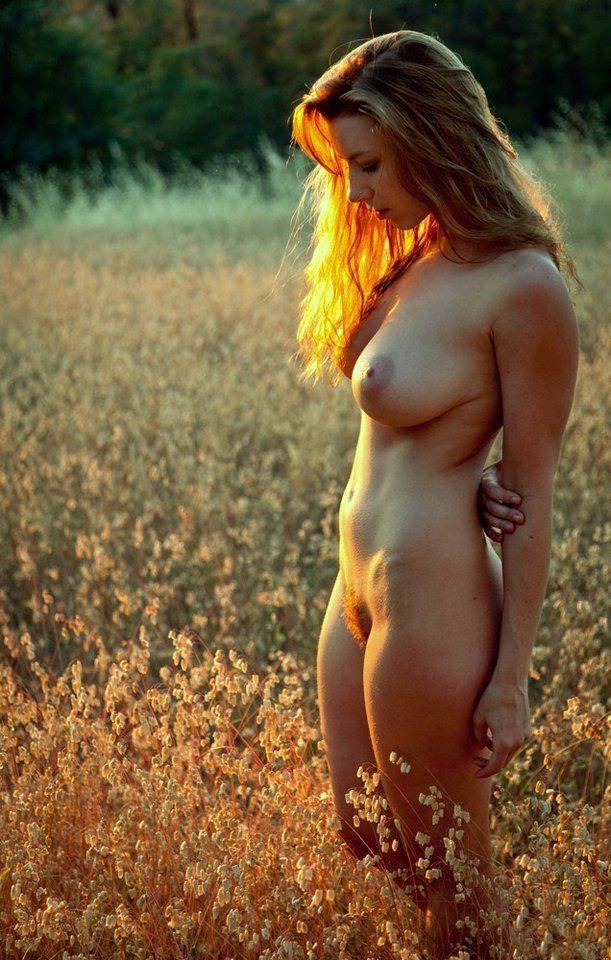 blonde nue champ