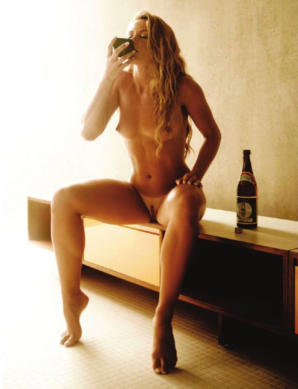 alcool blonde nue