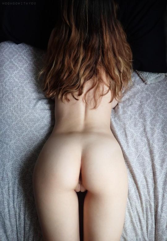 anus d'une fille rousse