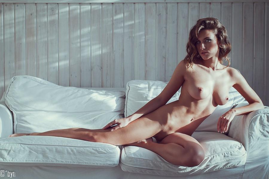 femme nue et classe