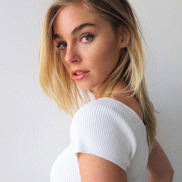 Elizabeth Turner hot