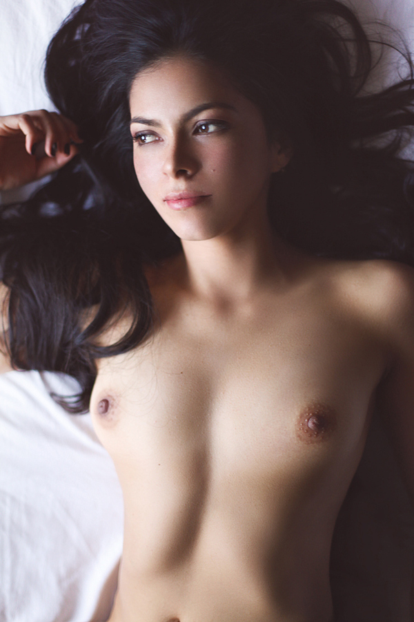 belle fille topless