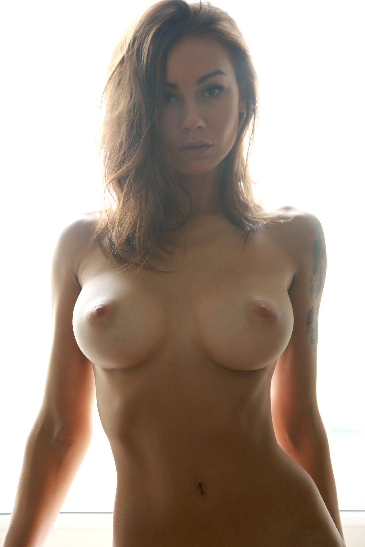femme nue gros seins