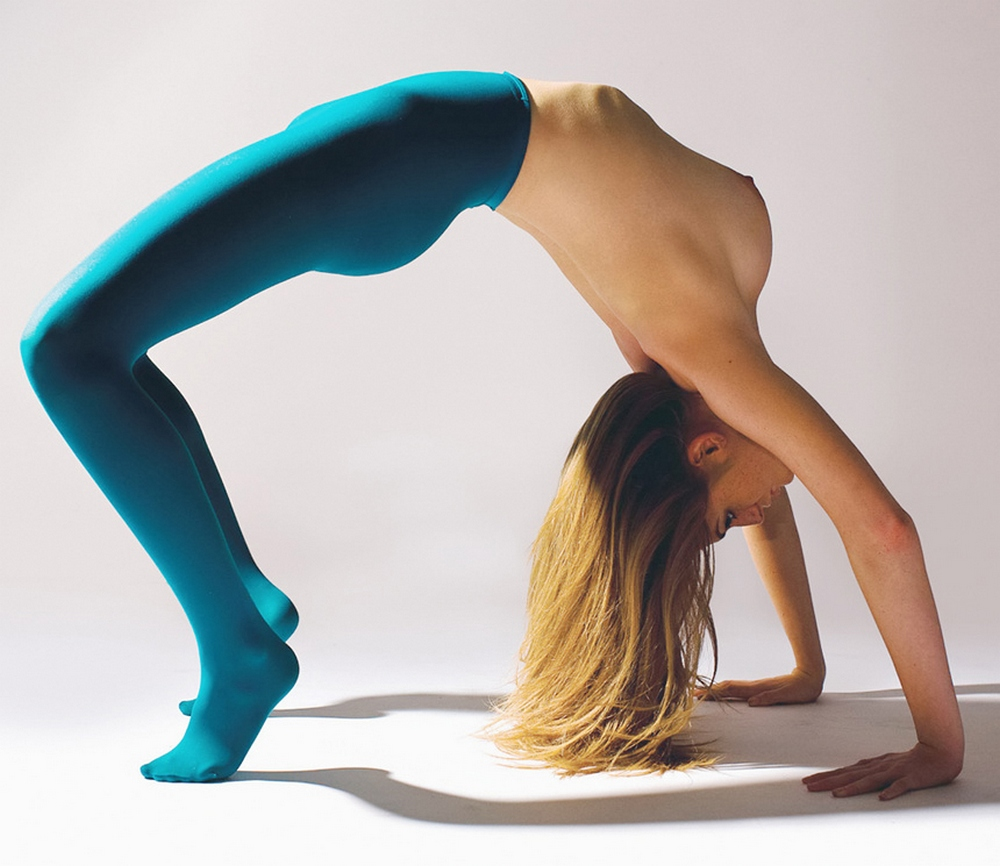 femme nue gymnastique