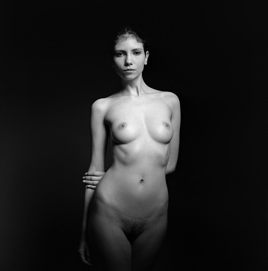femme nue noir et blanc
