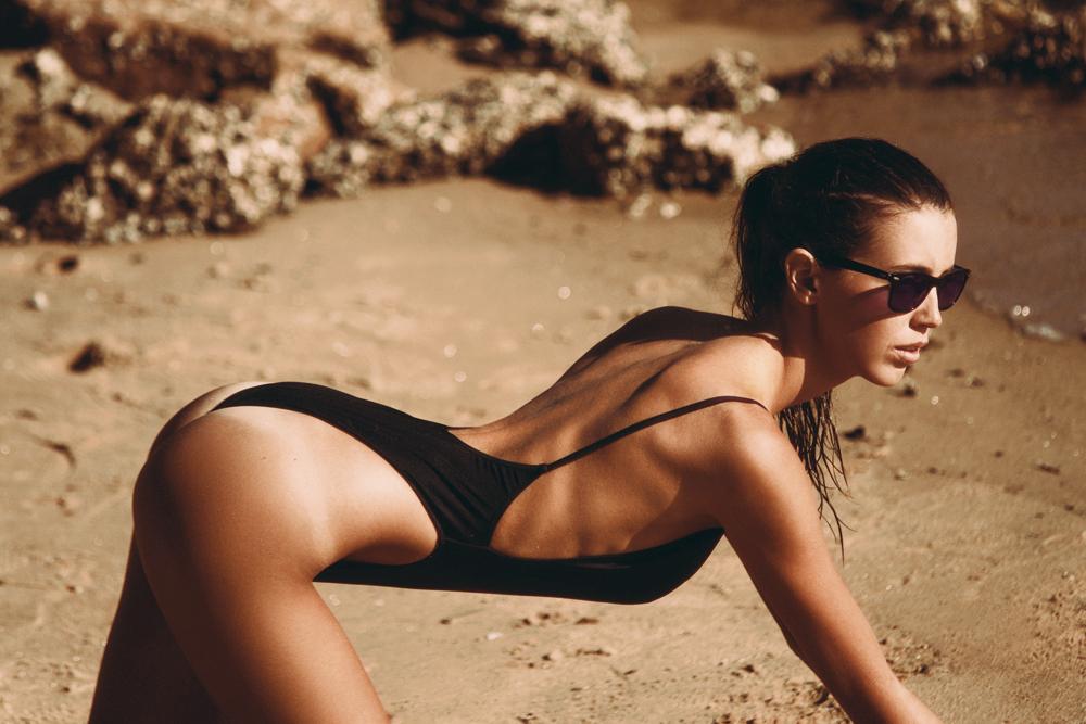fille sexy en bikini