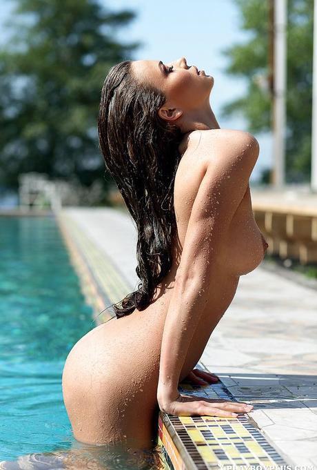 nue piscine