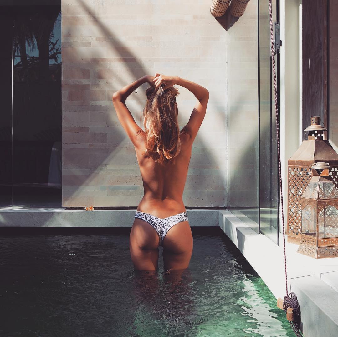 topless piscine privée