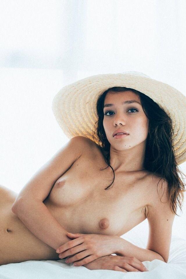 belle femme nue beurette