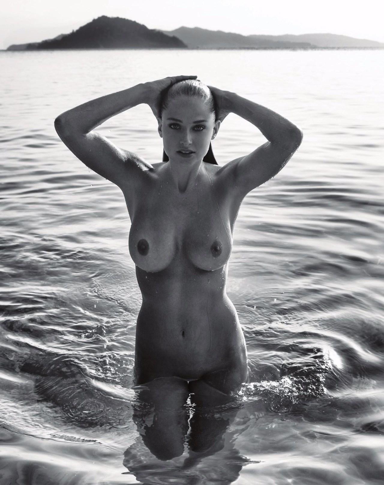 belle femme nue bonsoir mademoiselle