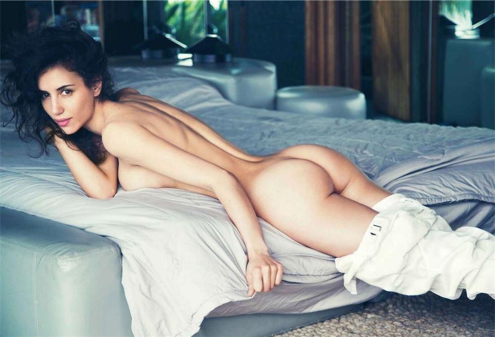 belle femme toute nue