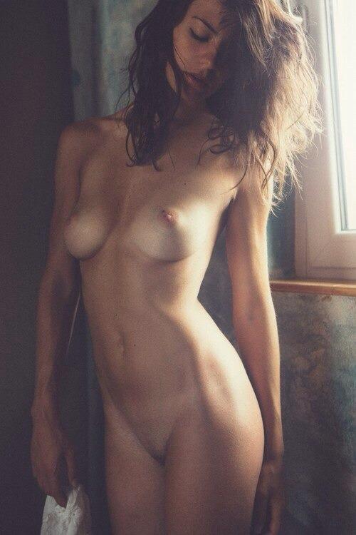 très belle femme nue