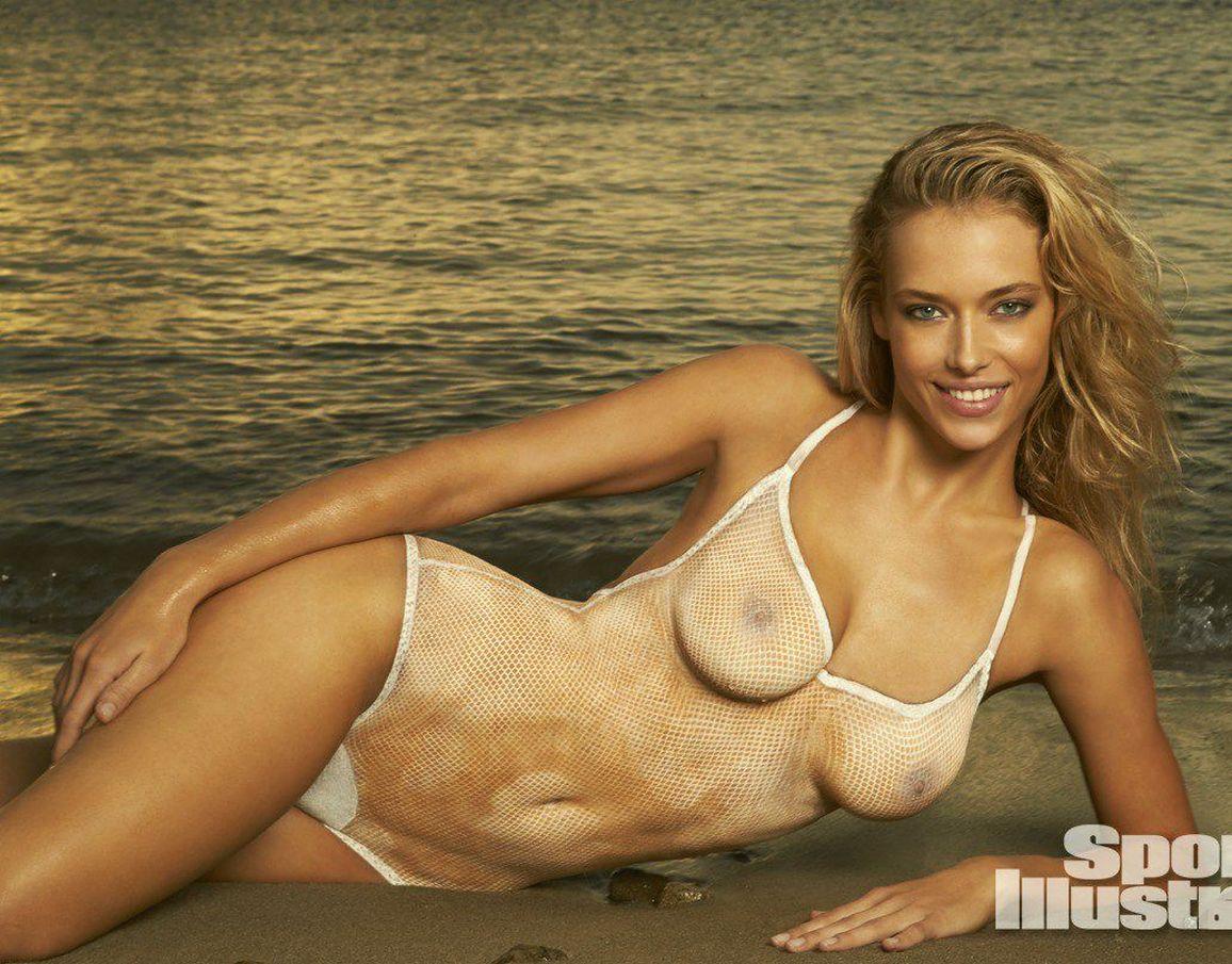 Hannah Ferguson nue