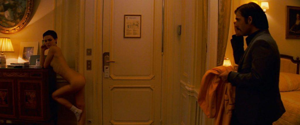 bonsoir mademoiselle Natalie Portman nue